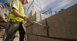 State's construction wages up 10.7 percent toward end of last year (UPDATE)